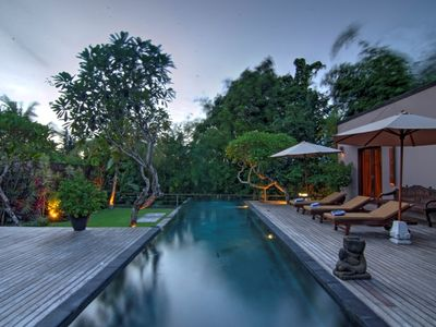 Photo for 3 bedroom river & rice view villa,Canggu