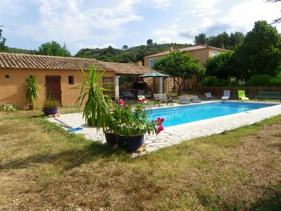 Photo for Lovely sunny villa overlooking the pool and the garrigue