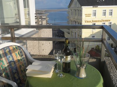 Photo for Great views of Borkum, bed linen, towels, cleaning u. WLAN inclusive