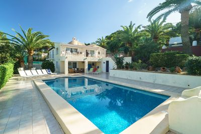 No.6 with private pool and tennis court and seaviews