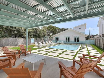 Photo for Stylish Destin Home w/ Chic Decor & Huge Private Pool! 20% OFF October Stays!