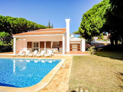 Photo for Beautiful spacious house with private pool, 1km from the beach