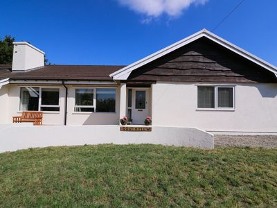 Photo for SOUTHVIEW, pet friendly, with hot tub in Rhydlewis, Ref 933345