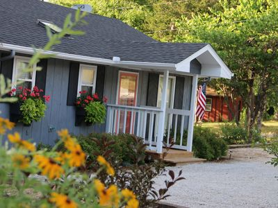 Photo for Twin Pines Shanty, Pet Friendly. Sleeps 6. Lakeview. Free Wifi