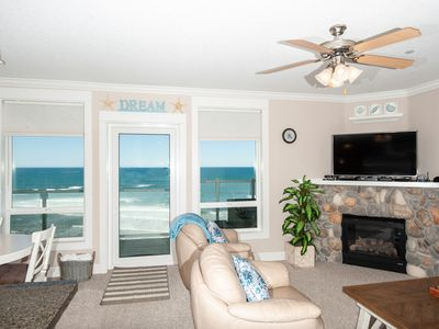 Photo for *Promo!* Third Floor Oceanfront Condo - Private Hot Tub, Free Wifi, Pool!