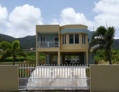 Private house and pool with ocean views- 5 min walk to Beach