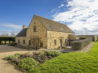 Photo for Claytons Cottage is a very comfortable and well-appointed Cotswold stone cottage