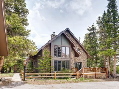 Photo for Mountain Aire' - Gorgeous luxxury vacation home 20 min. from Breck w/ hot tub