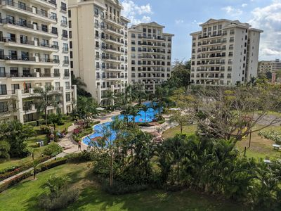 Photo for Luxurious Condo, 5min walk to beach/town, Amazing pool and amenities !