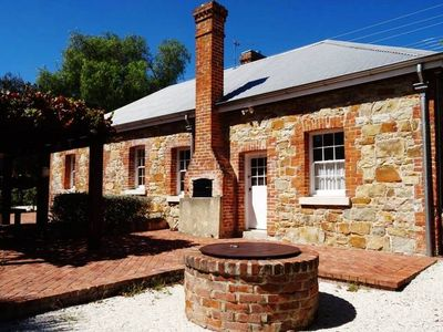 "Photo for TENTERFIELD ACCOMMODATION's""Red Rose Cottage"""