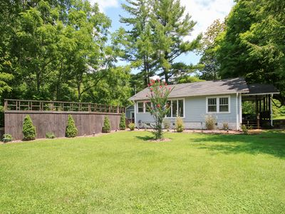Photo for Creekside Cottage - on 73 acres, 15 min to DT, Hot Tub, Hike Trails