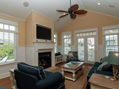 Photo for Modern 4br/3ba townhouse steps from the beach!