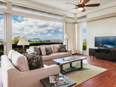Photo for Le`ahi Estate - Large House w/ Private Pool, Backyard, Huge Lanai