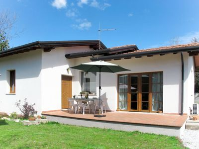 Photo for 2 bedroom Villa, sleeps 5 with Air Con and Walk to Shops