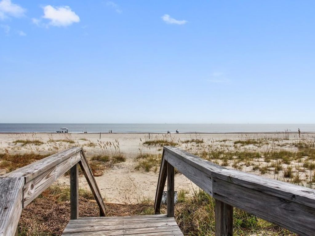 Fort Screven Villas Unit 102 Ocean Front Easy Beach