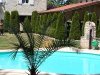 Lovely clean gite with great pool and lovely owners