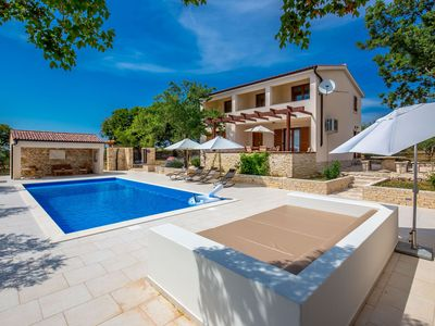 Photo for Comfortable villa with a panoramic view and private pool