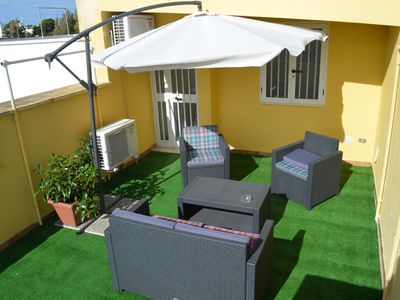 Photo for Ideal for 2 couples / families just steps from the beach