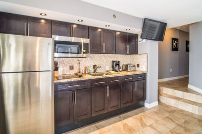 Upgraded kitchen, granite countertops, stainless appliances, fully stocked!