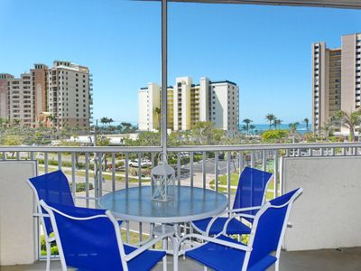 Photo for Breezy condo w/ heated pool, racquetball & walk to beach