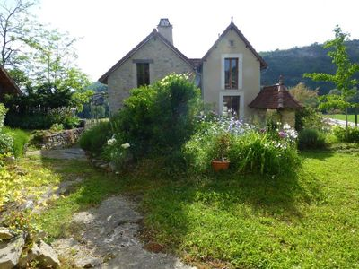 Photo for Quercy, House on the edge of the Lot, 77m2, 4 people, 3 *
