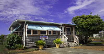 """""""Parrot's Perch"""" the best kept secret around! Come stay  with us and see why!"""