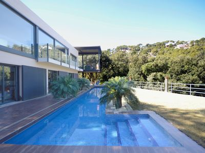 Photo for Fantastic contemporary design villa, with sea views, located just 900 meters from the beac