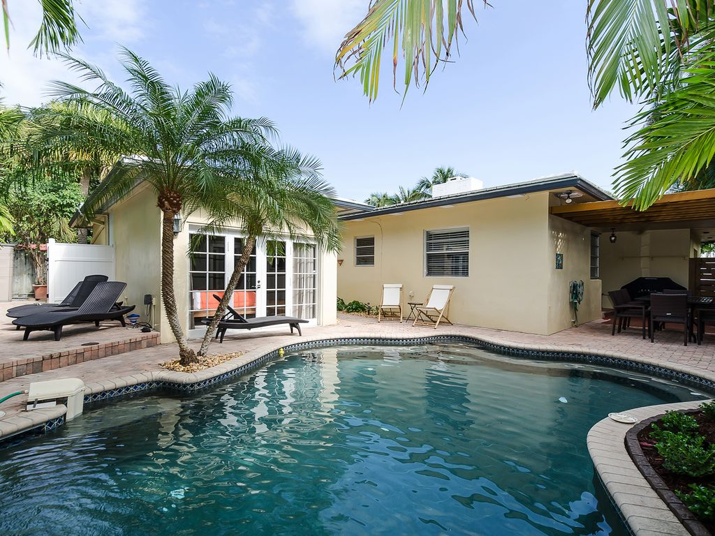beach house within one block to beach homeaway downtown