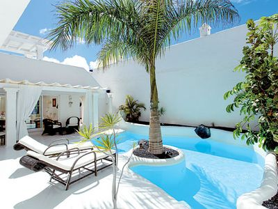 Photo for Chic & stylish villa complete with heated pool, Jacuzzi and free Wi-Fi
