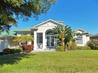 Photo for Splendid canal front pool home in beautiful sunny Marco Island