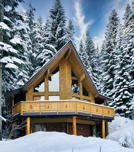 Photo for *NEW* Mountain View Cabin with Hot Tub!!!