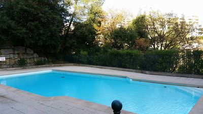 Photo for Appt 80 m2 swimming pool, terrace, sea view, 1km from the beach, private parking