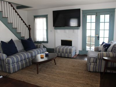 Photo for Downtown coastal cottage, park and walk everywhere!