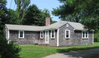 Photo for Vintage Colonial-style cottage in historic neighborhood, family/pet friendly