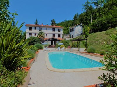 Photo for 7-bedroom house with pool, excellent facilities and stunning mountain views