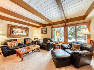Photo for NEW LISTING! Charming condo w/ full kitchen, gas grill-close to skiing!