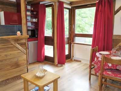 Photo for Cosy apartment for 4 guests with WIFI, TV, balcony, pets allowed and parking