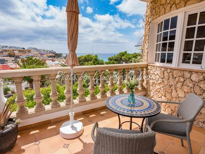 Photo for Beautiful apartment with sea views and pool, 5 minutes from the beach walking