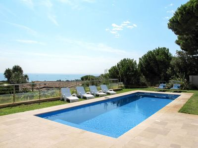 Photo for 4 bedroom Villa, sleeps 8 in La Nartelle with Pool, Air Con and WiFi