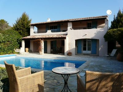 Photo for 185m2 modern Provencal house, with swimmingpool in a quiet area - beautiful view