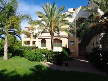 Search 125 holiday rentals
