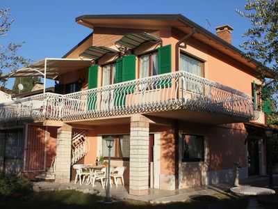 Photo for Villa Olivi - 11 persons - private garden - 800 mts from the lake