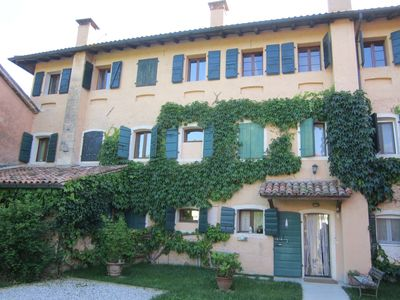 Photo for Villa & old renovated barn with jacuzzi in the vineyards!