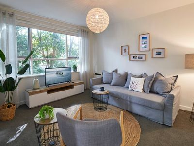 Photo for 1 Bedroom Apt With Parking Stroll to Elwood Beach