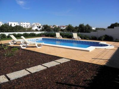 Photo for 3 bedroom villa with pool, garden and near the beach Internet