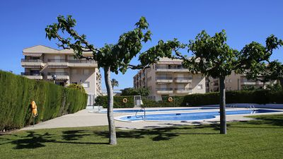 Photo for Apartment well equipped 2 bedroom with A / C and pool 250m from the beach