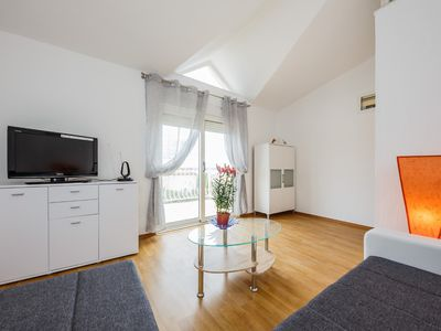 Photo for A2- apt with terrace with the sea view and garden