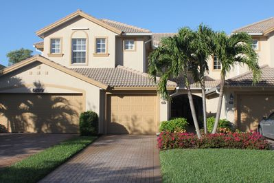 Gorgeous townhouse with garage and private driveway