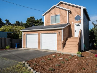 Photo for Enjoy Lincoln City from this 3 bedroom home a few blocks from the waves!