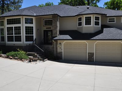 Photo for Luxury 5-Bedroom Near Yosemite WIFI 2SmlDogsOK Pool Table Sleeps 12 Covered Deck